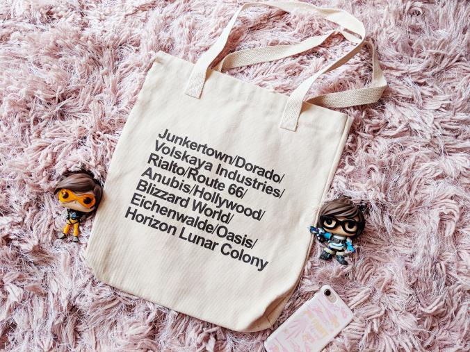 Overwatch World Tour bag with maps Junkertown, Dorado, Volskaya, Rialto, Route 66